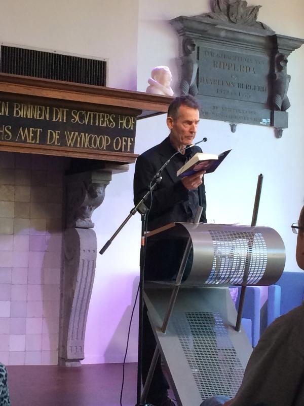 Hans Münstermann czyta fragment swojej powieści